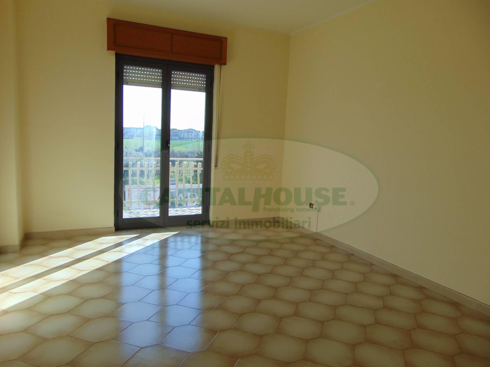 Appartamento in affitto a Curti, 2 locali, prezzo € 350 | Cambio Casa.it