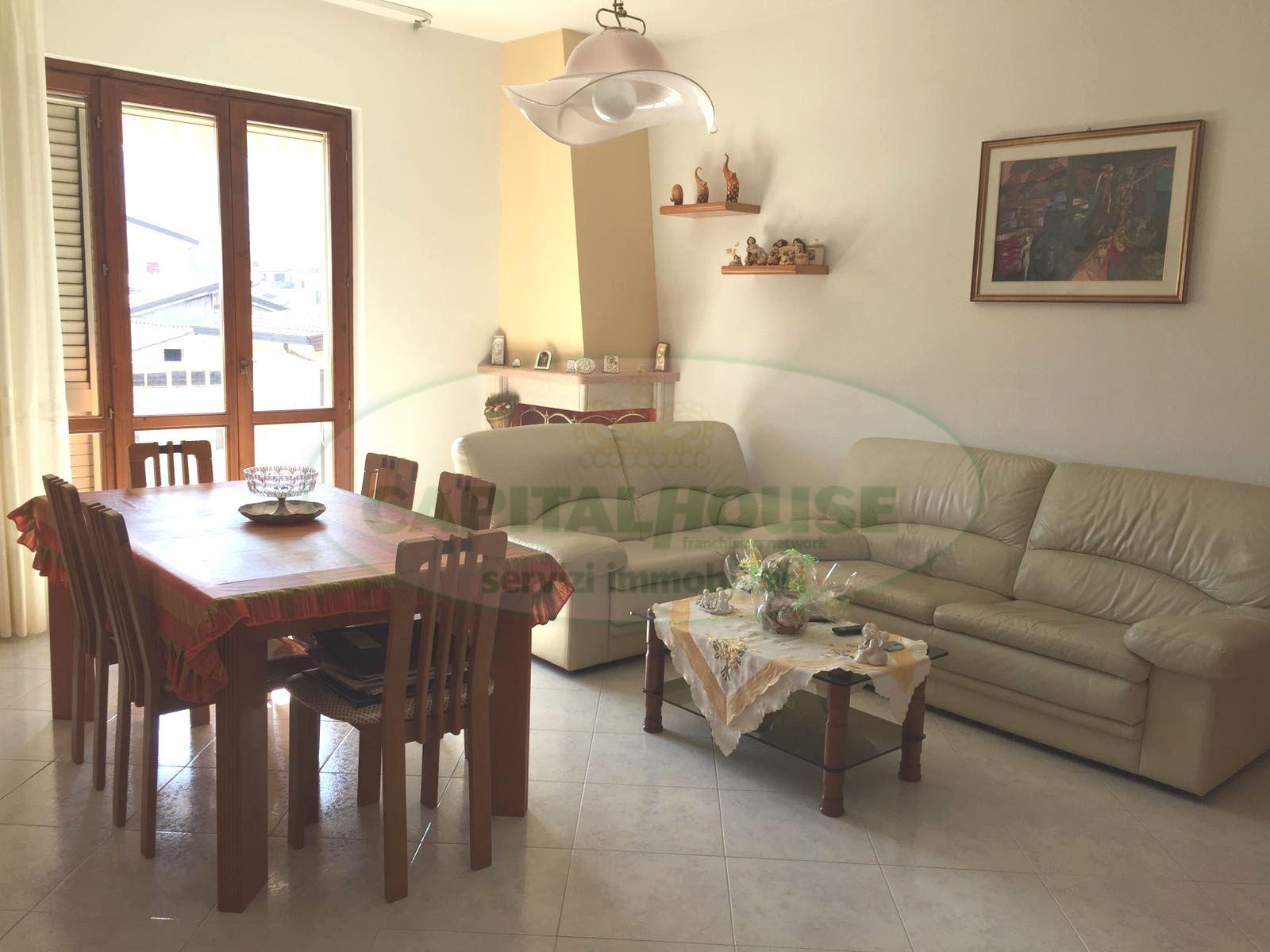 Appartamento in affitto a Pratola Serra, 4 locali, prezzo € 400 | Cambio Casa.it