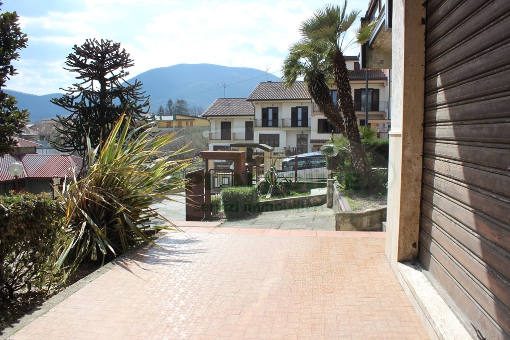Negozio / Locale in affitto a Monteforte Irpino, 9999 locali, zona Zona: Alvanella, prezzo € 500 | Cambio Casa.it