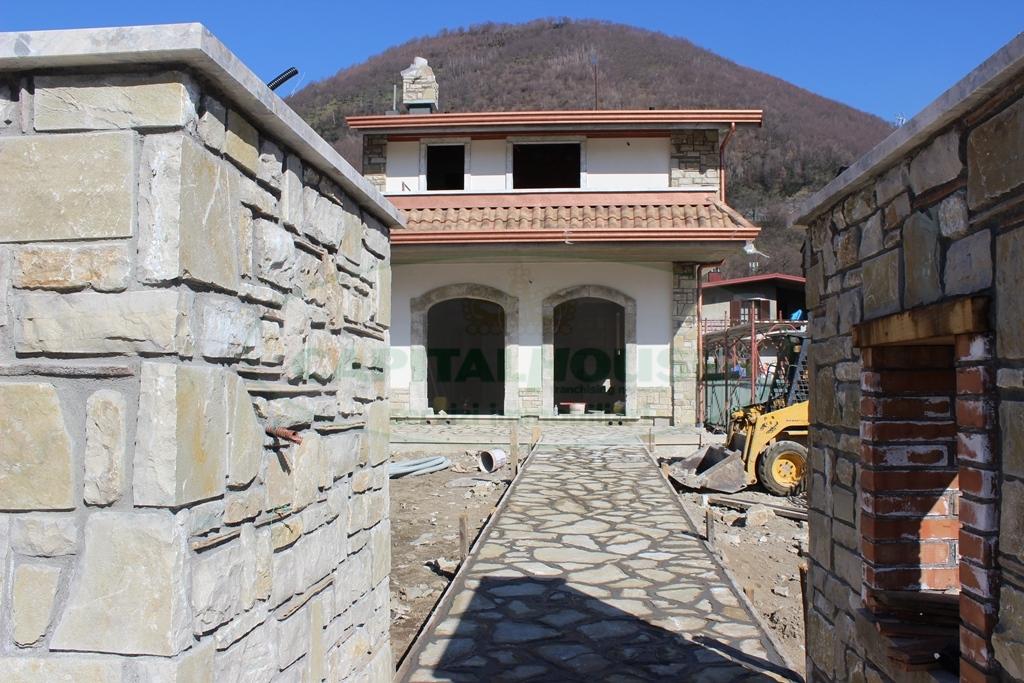 Villa in vendita a Monteforte Irpino, 4 locali, zona Località: TavernaCampanile, prezzo € 260.000 | Cambio Casa.it
