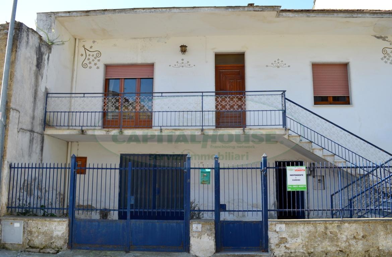 Soluzione Indipendente in vendita a San Nicola la Strada, 3 locali, zona Località: L.DaVinci, prezzo € 230.000 | Cambio Casa.it