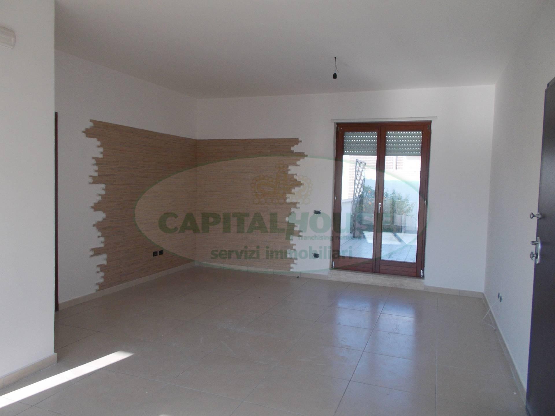 Attico / Mansarda in affitto a Santa Maria Capua Vetere, 4 locali, prezzo € 530 | Cambio Casa.it