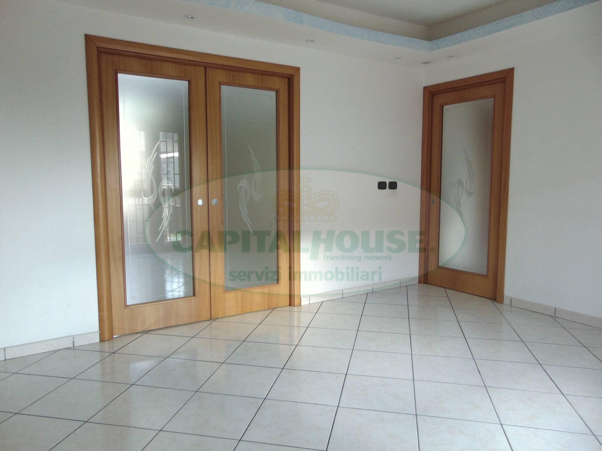 Appartamento in vendita a San Tammaro, 4 locali, prezzo € 105.000 | Cambio Casa.it