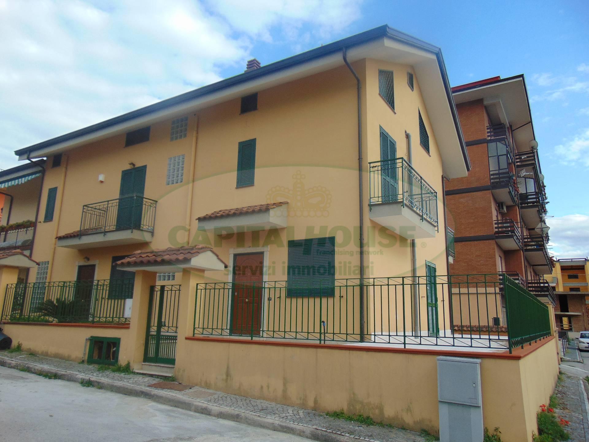 Villa in affitto a Baiano, 6 locali, prezzo € 600 | Cambio Casa.it