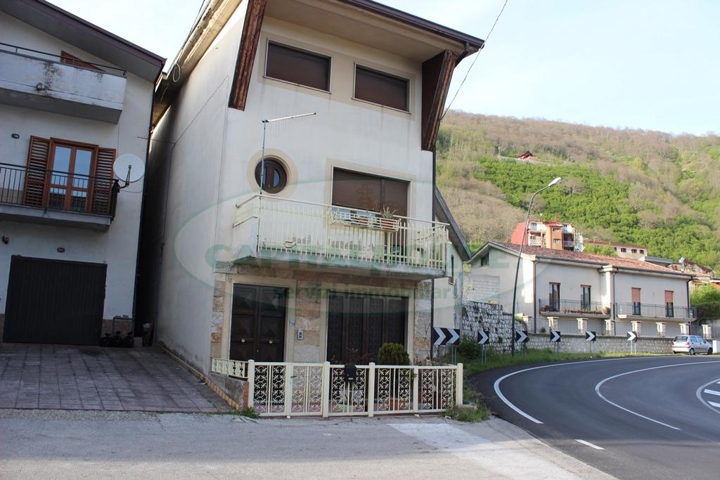 Soluzione Indipendente in affitto a Monteforte Irpino, 3 locali, zona Località: Borgo, prezzo € 400 | Cambio Casa.it