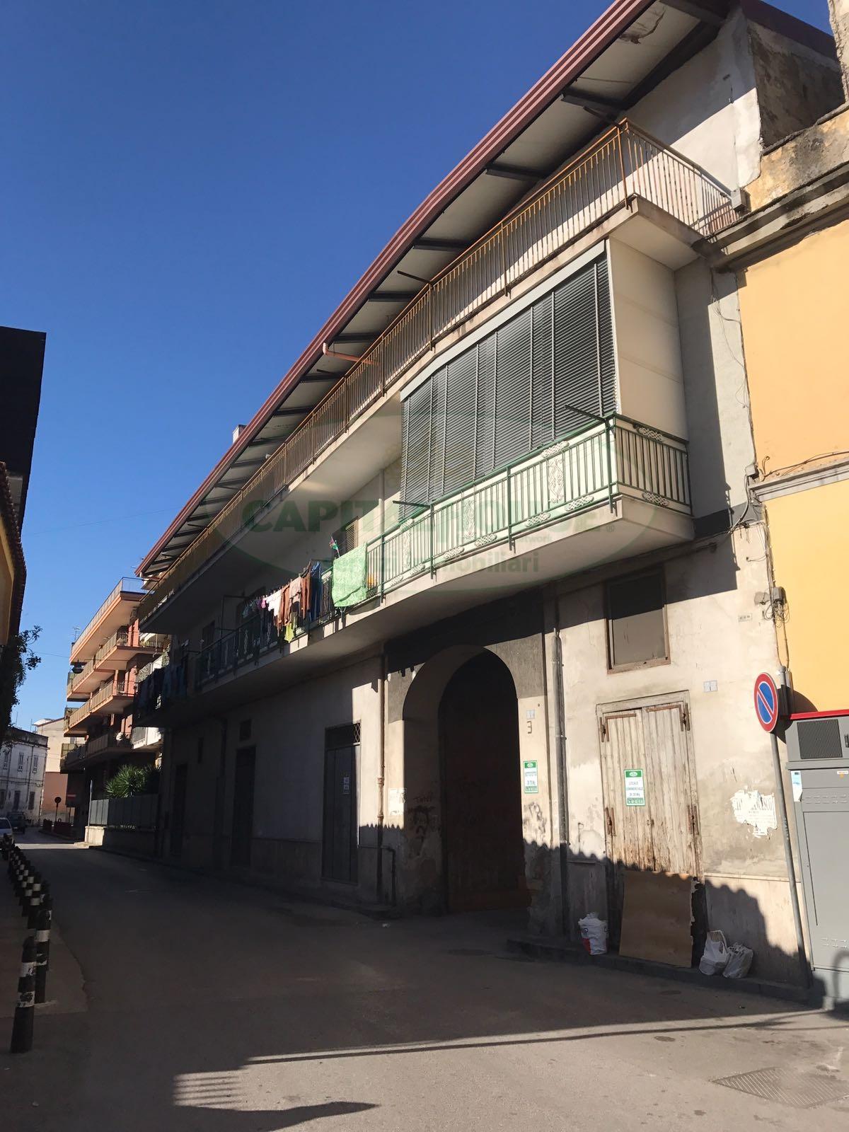 Negozio / Locale in vendita a Afragola, 9999 locali, zona Località: Centro, prezzo € 29.000   CambioCasa.it