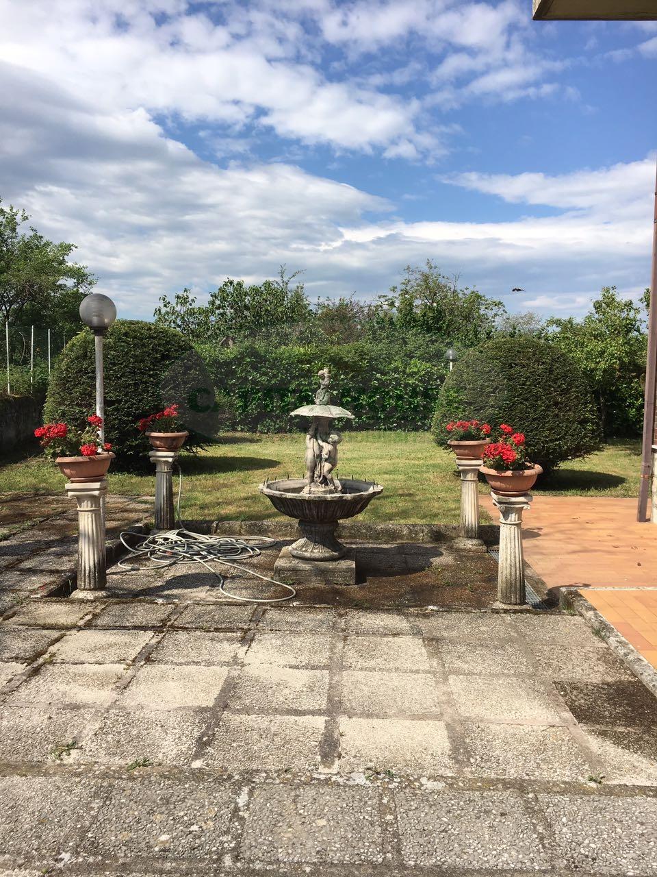 Villa in vendita a San Potito Ultra, 6 locali, prezzo € 430.000 | Cambio Casa.it