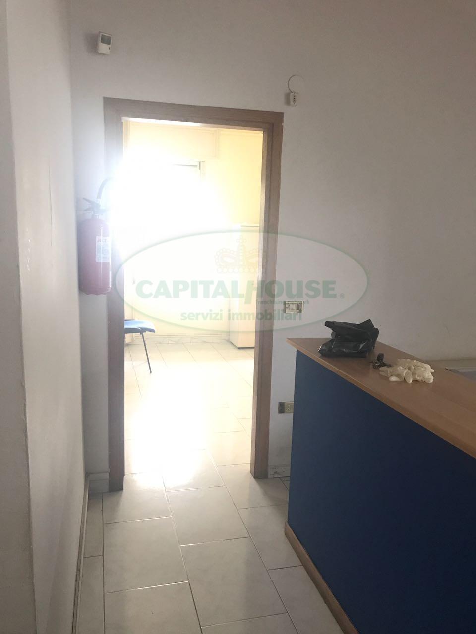 450uf ufficio in affitto a caserta caserta ferrarecce for Arredo ufficio caserta