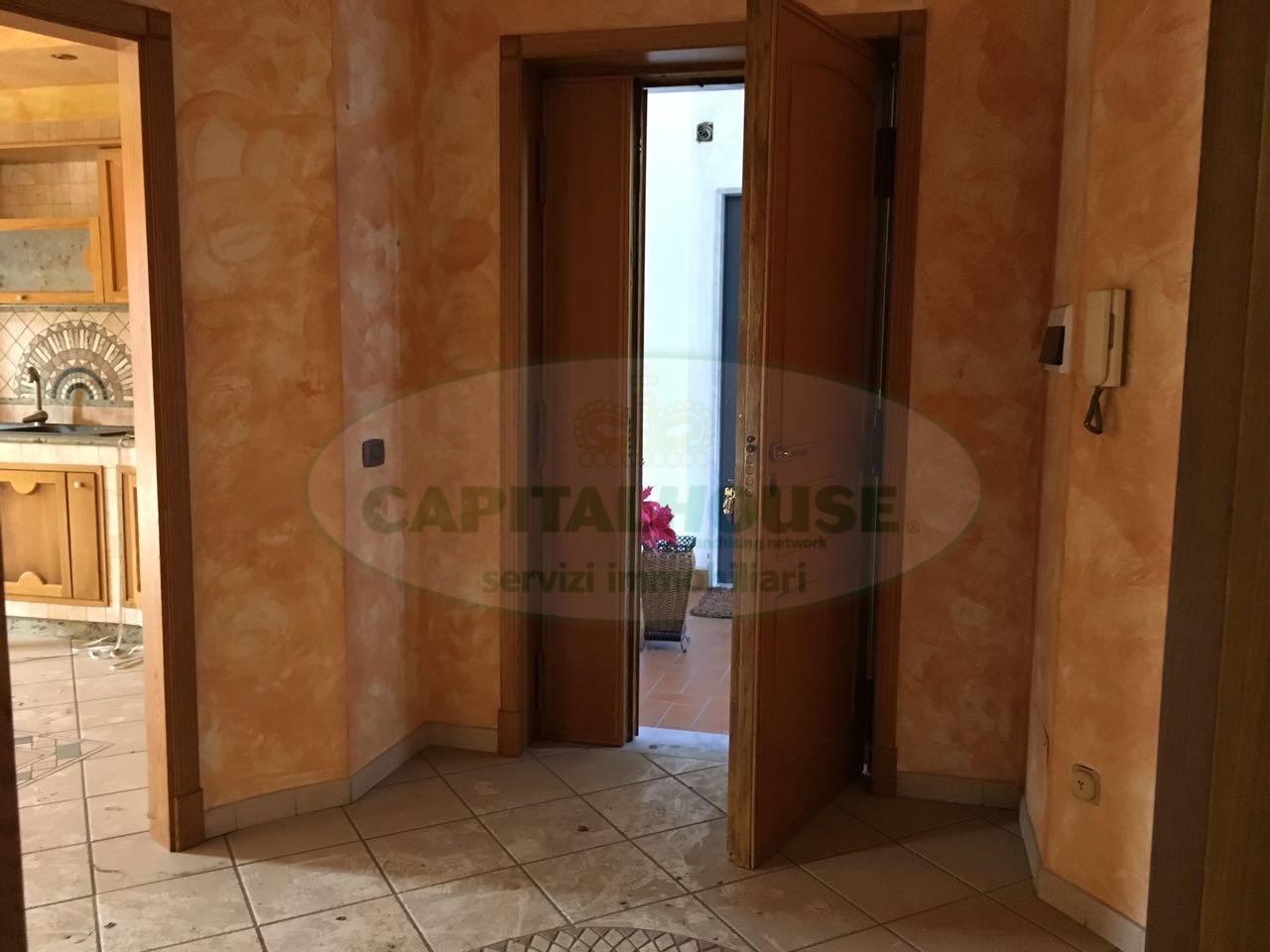 Appartamento in affitto a Afragola, 3 locali, zona Località: ZonaPeriferica, prezzo € 500 | CambioCasa.it