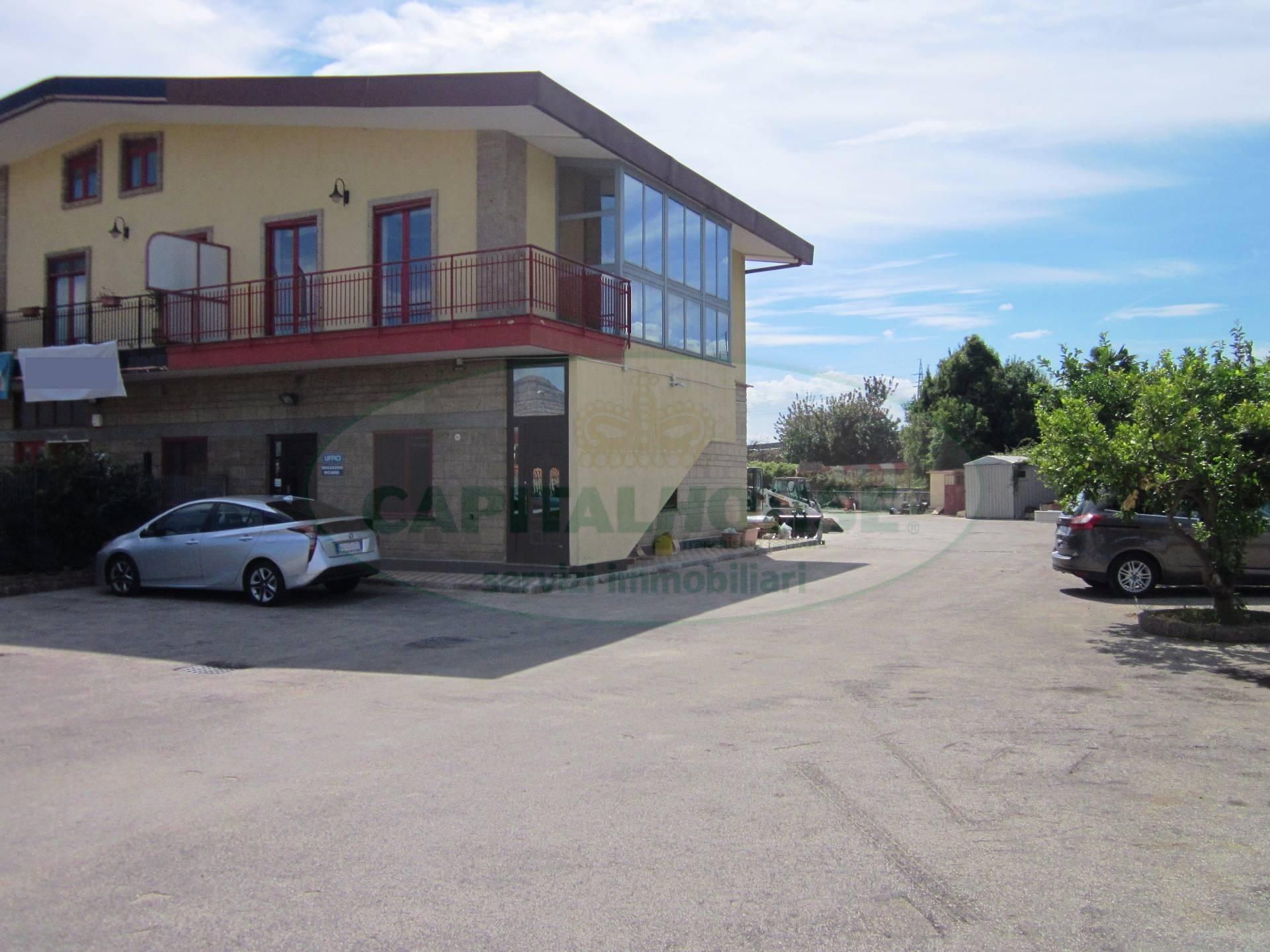 Negozio / Locale in vendita a Maddaloni, 9999 locali, prezzo € 520.000 | CambioCasa.it