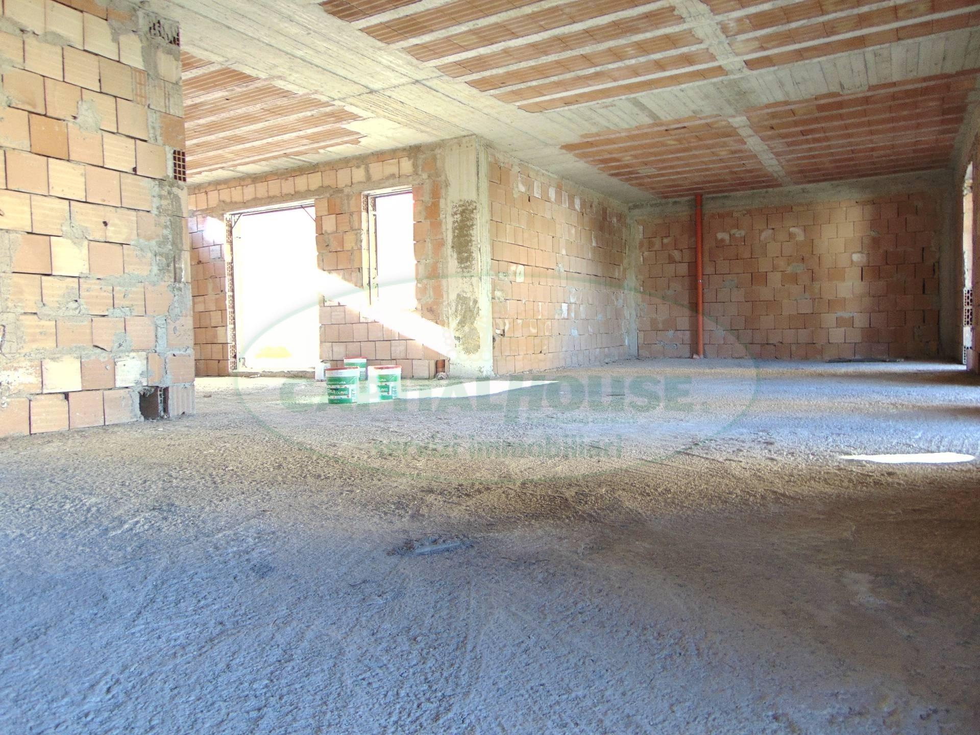 200 can appartamento in vendita a santa maria capua for Living arredamenti santa maria capua vetere
