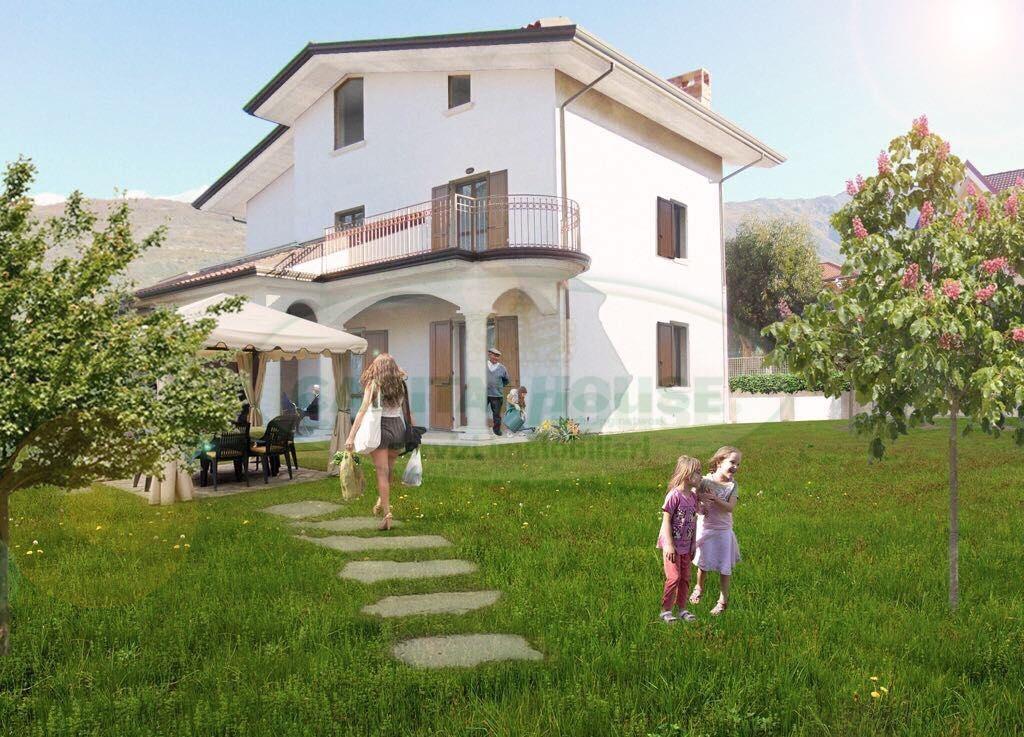 Villa in vendita a Sirignano, 10 locali, Trattative riservate   CambioCasa.it