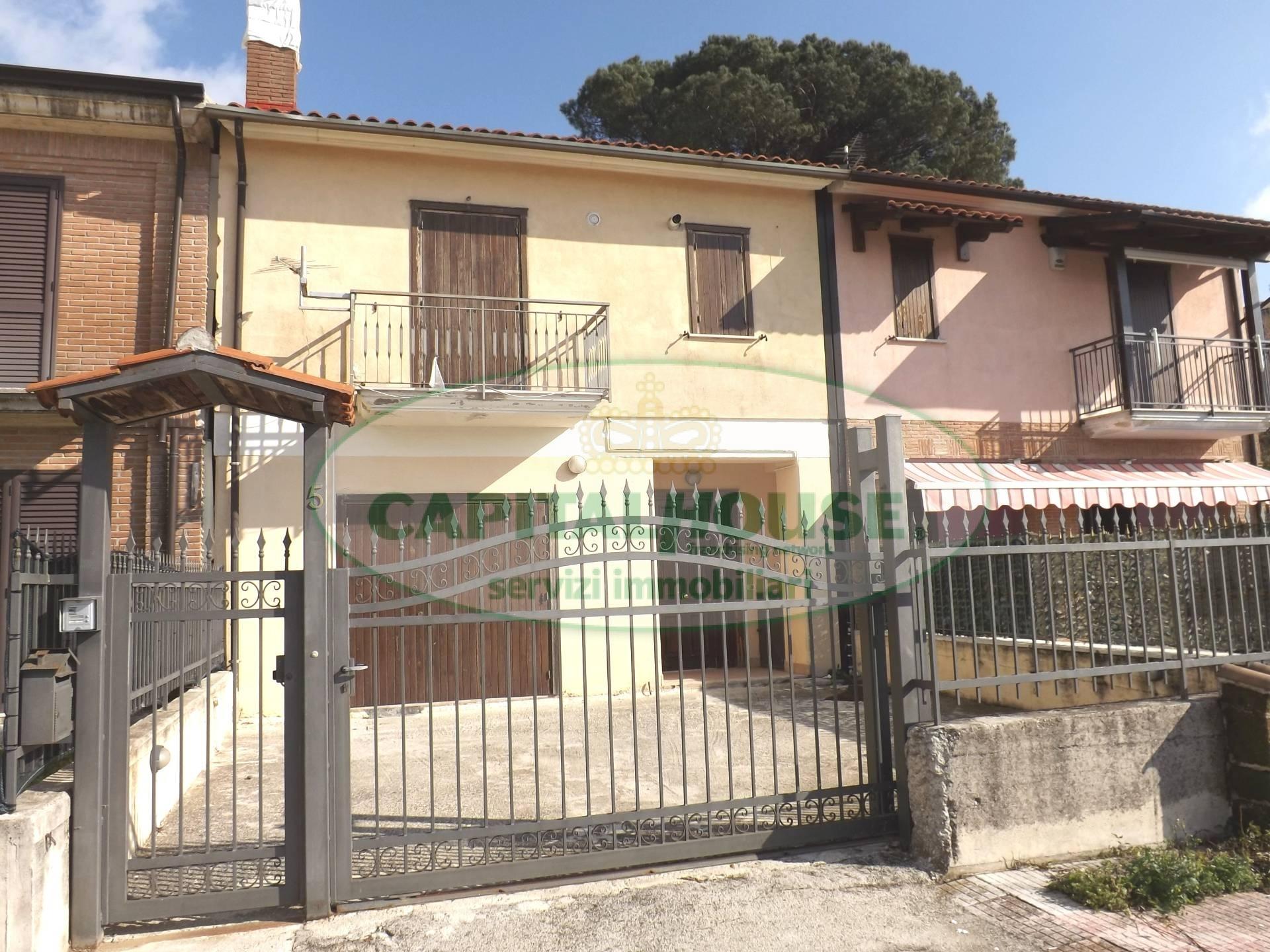 Villa a Schiera in vendita a Montefredane, 3 locali, prezzo € 69.000 | CambioCasa.it