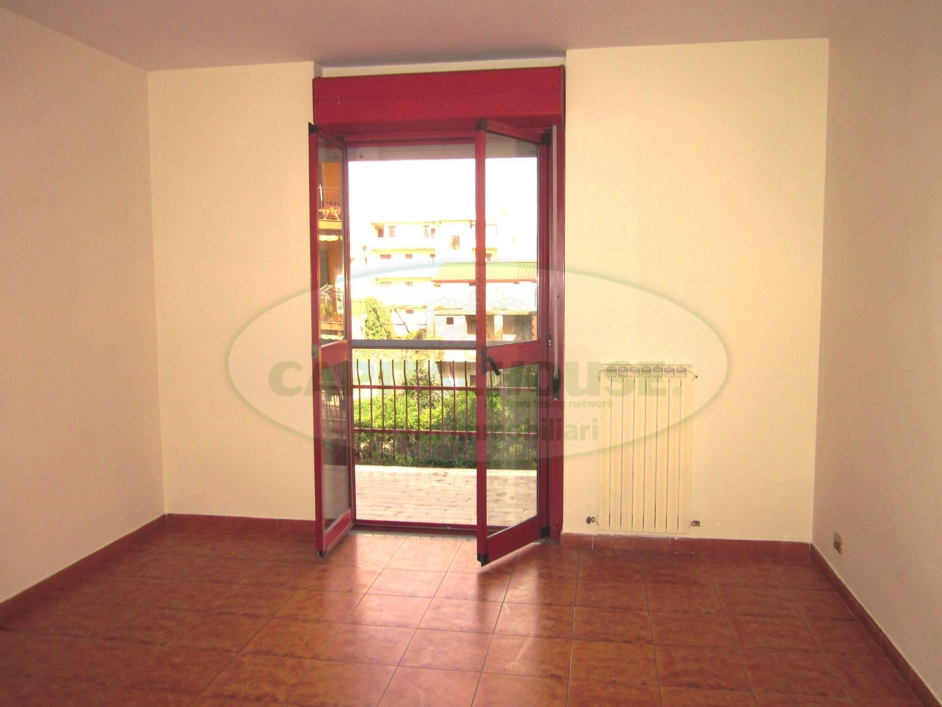 Appartamento in affitto a San Nicola la Strada, 5 locali, prezzo € 550 | CambioCasa.it