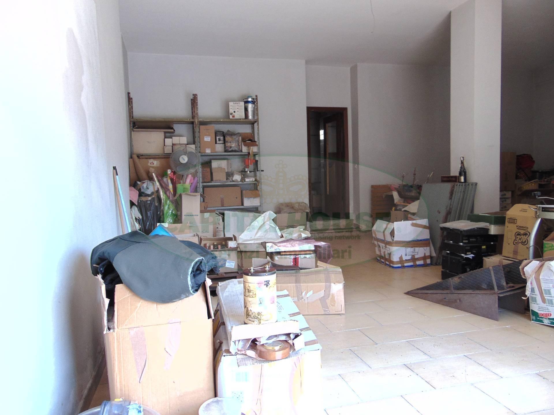 Negozio / Locale in vendita a San Prisco, 9999 locali, prezzo € 40.000 | CambioCasa.it