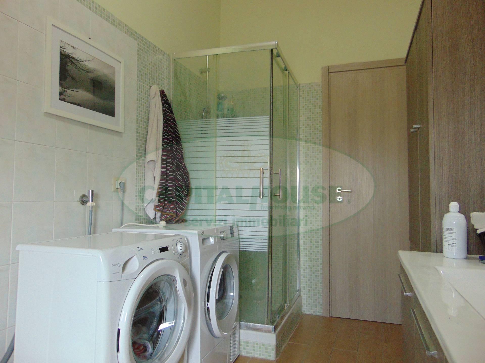 125 smcv appartamento in vendita a santa maria capua for Living arredamenti santa maria capua vetere
