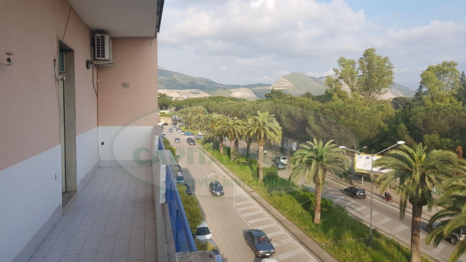 vendita appartamento caserta centro  149000 euro  4 locali  120 mq