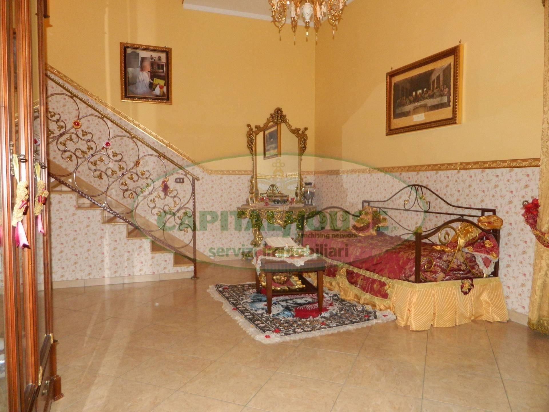 Appartamento in vendita a Afragola, 3 locali, prezzo € 95.000 | CambioCasa.it