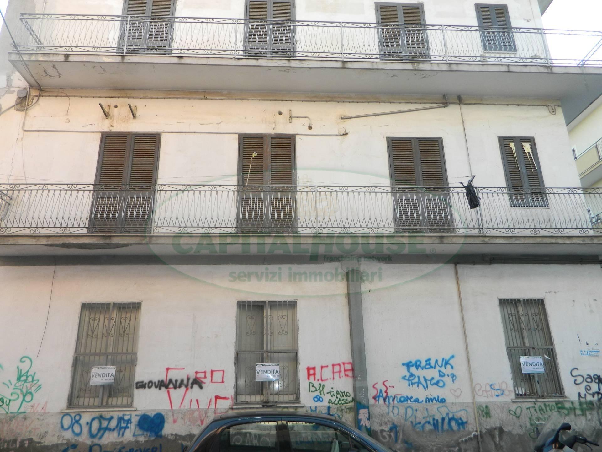 Soluzione Indipendente in vendita a Afragola, 7 locali, zona Località: ZonaAmendola, Trattative riservate | CambioCasa.it