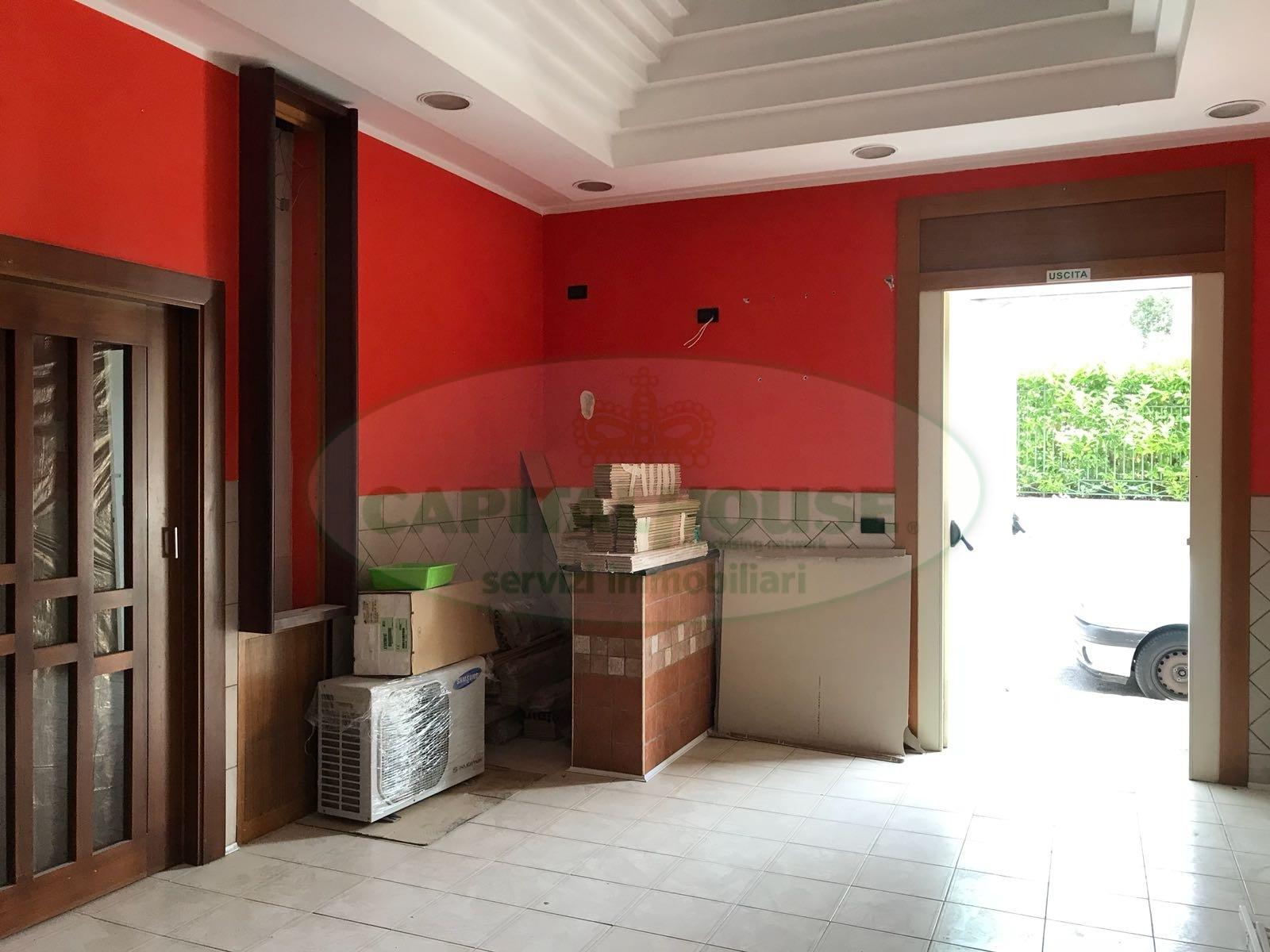 Attività / Licenza in affitto a Afragola, 9999 locali, zona Località: ZonaMarconi/Liceo, prezzo € 400 | CambioCasa.it