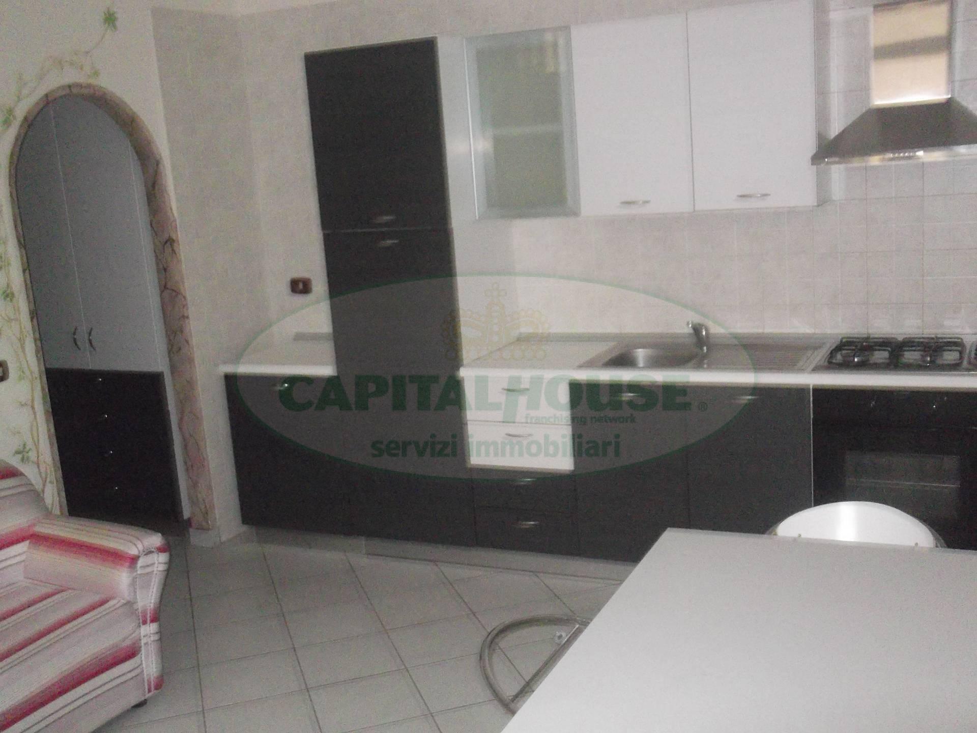 Appartamento in affitto a Afragola, 2 locali, zona Località: PiazzaCastello, prezzo € 400 | CambioCasa.it