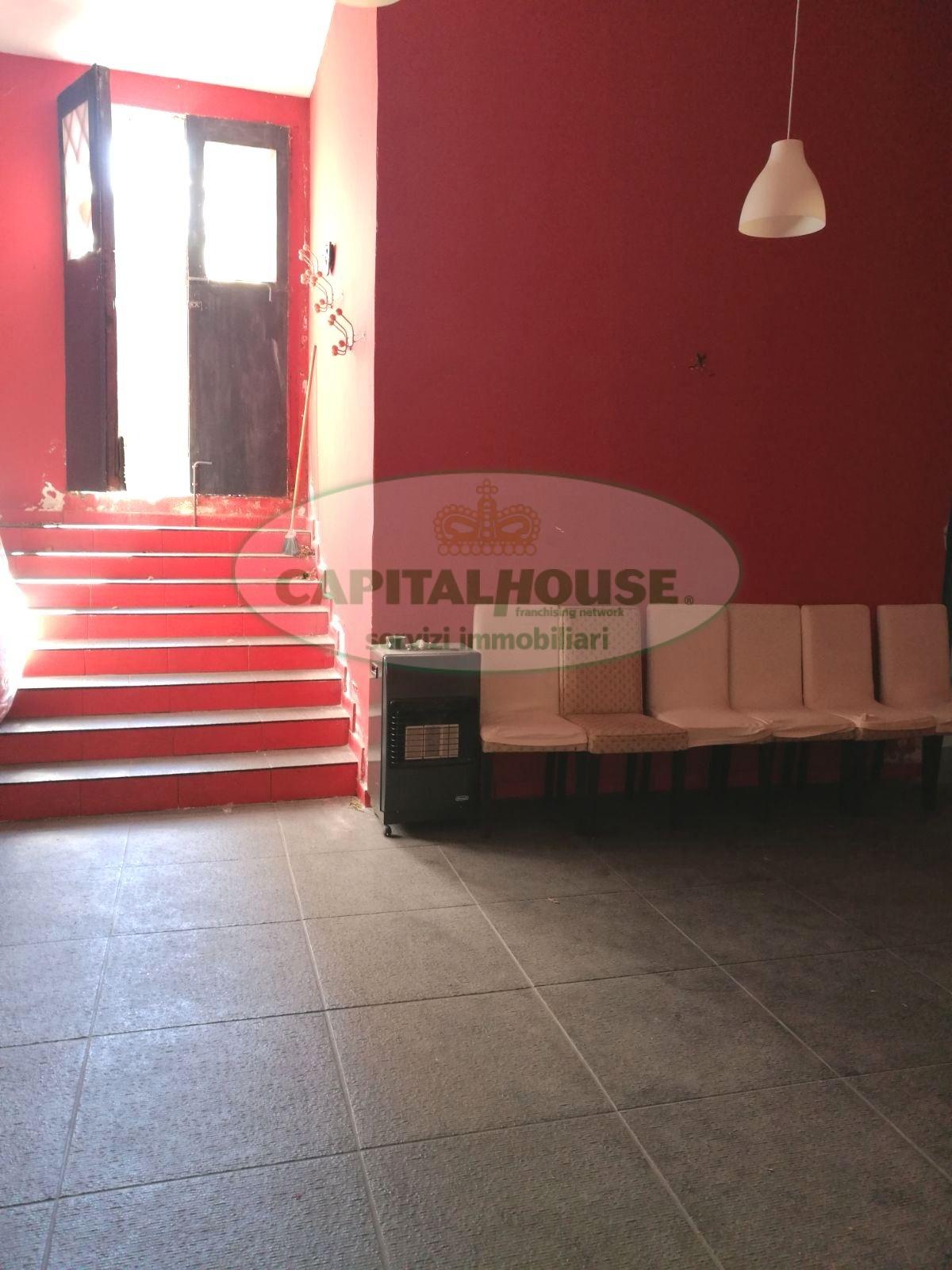 Annunci di negozi in affitto a atripalda for Affitto officina roma
