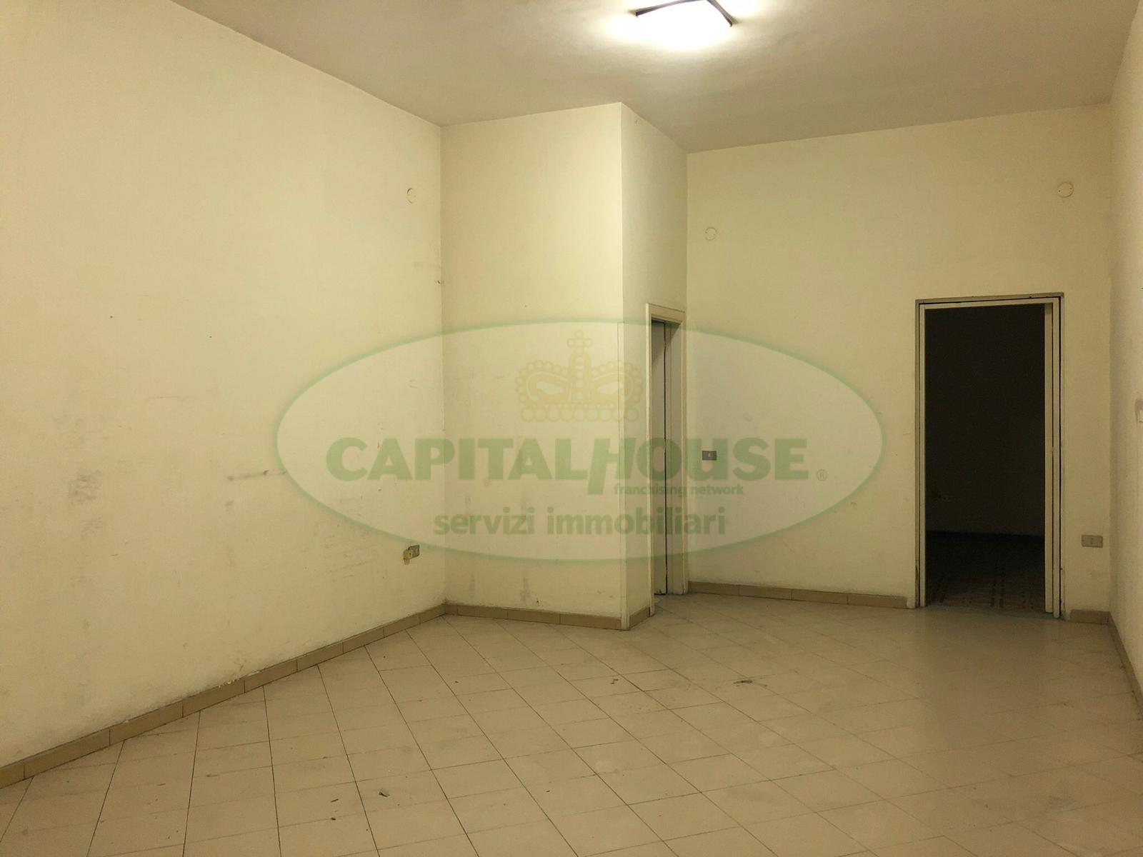 Attività / Licenza in affitto a Afragola, 9999 locali, zona Località: ZonaAmendola, prezzo € 300 | CambioCasa.it