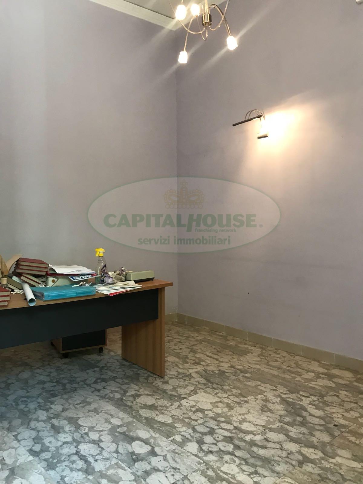 Ufficio / Studio in affitto a Afragola, 9999 locali, zona Località: ZonaAmendola, prezzo € 350 | CambioCasa.it