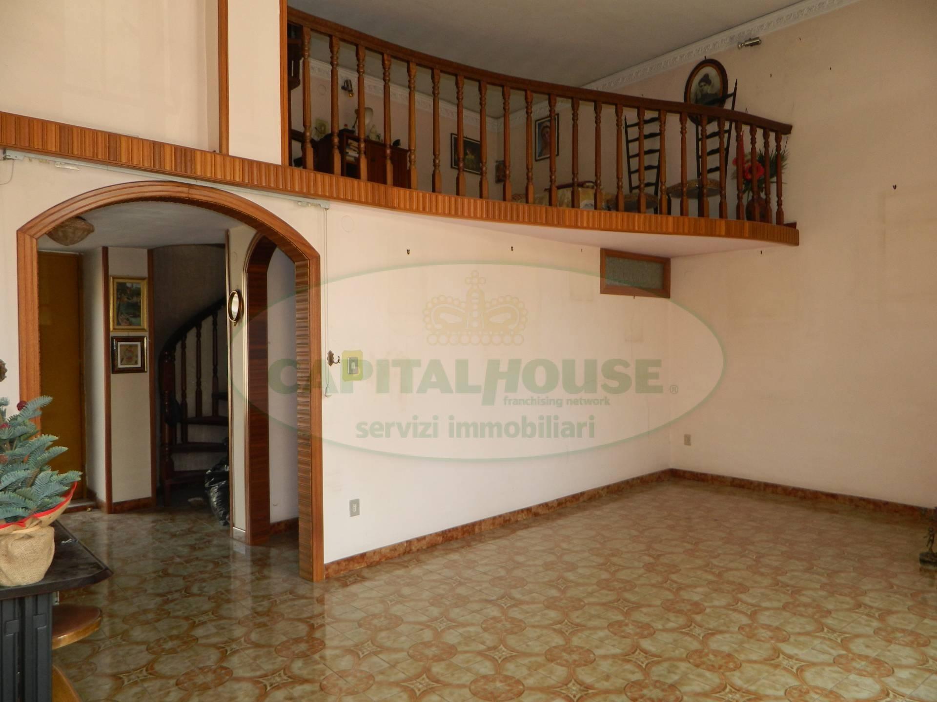 Soluzione Semindipendente in vendita a Afragola, 10 locali, zona Località: Centro, prezzo € 364.000 | CambioCasa.it