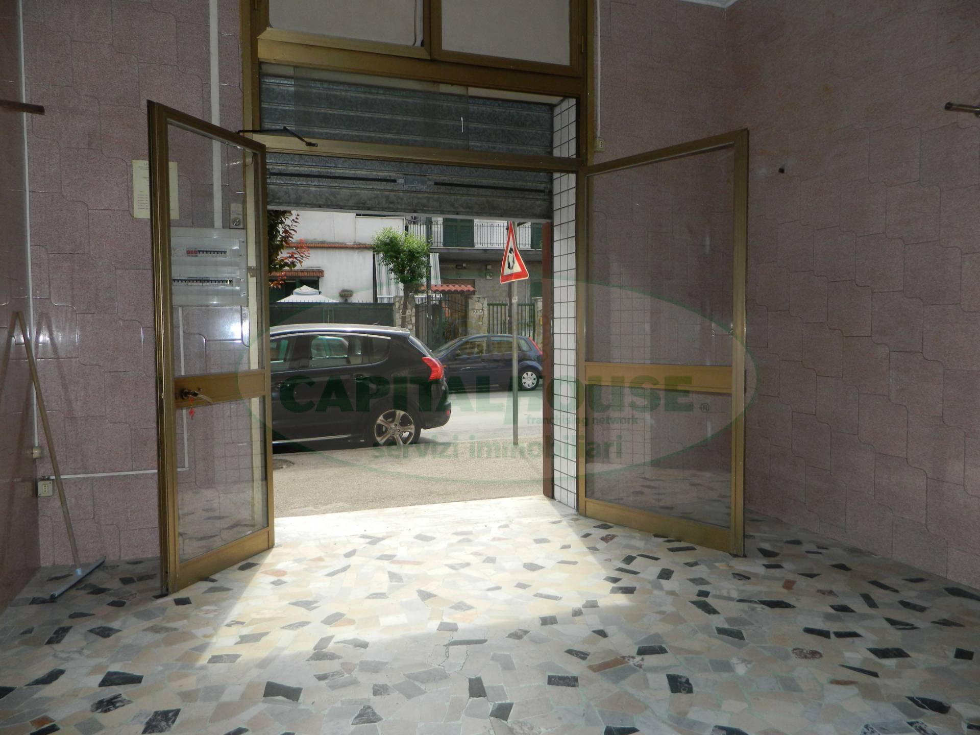Attività / Licenza in affitto a Afragola, 9999 locali, zona Località: ZonaAmendola, prezzo € 600 | CambioCasa.it