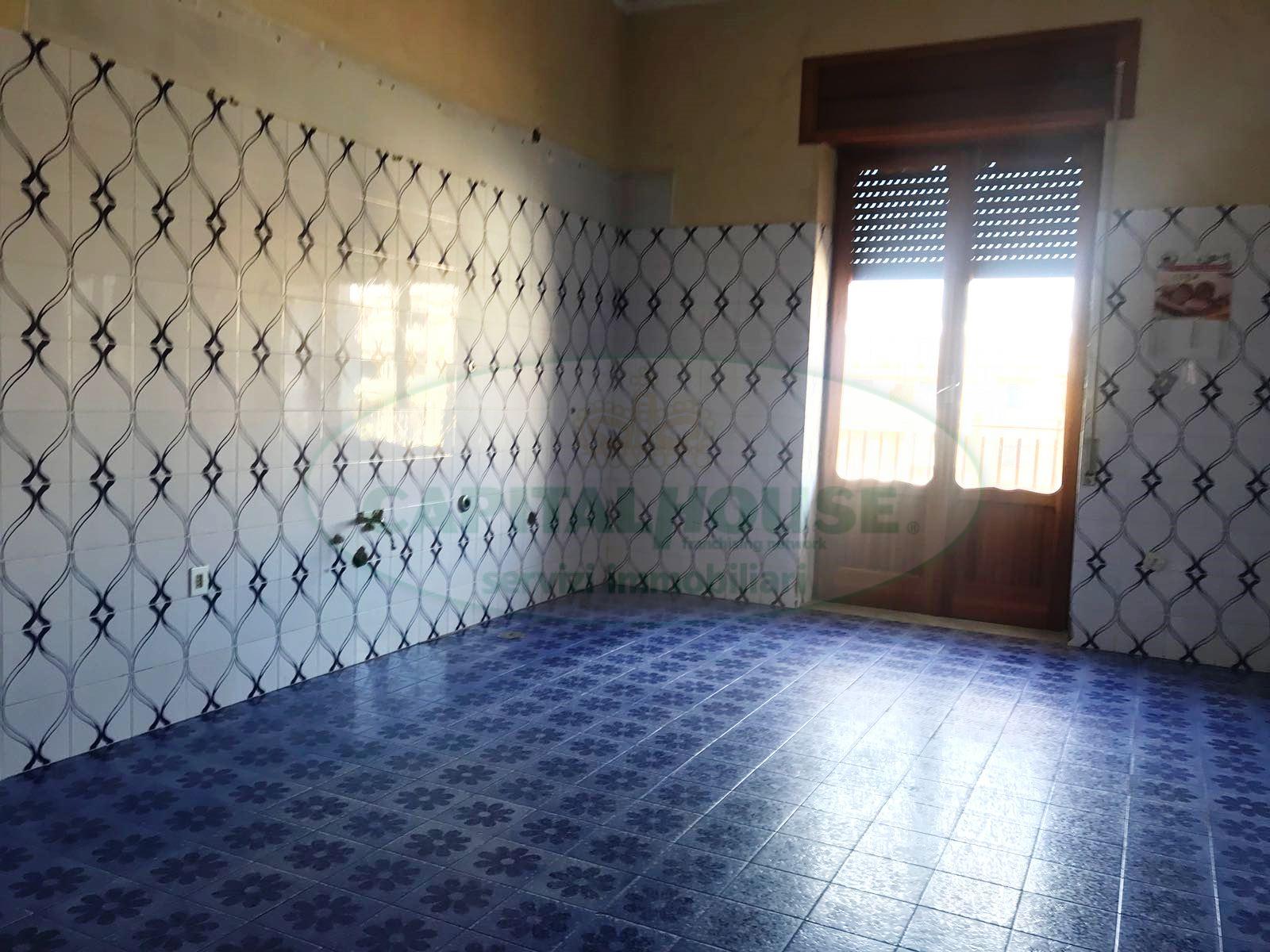 Appartamento in affitto a Afragola, 3 locali, zona Località: C.C.IPini, prezzo € 400 | CambioCasa.it