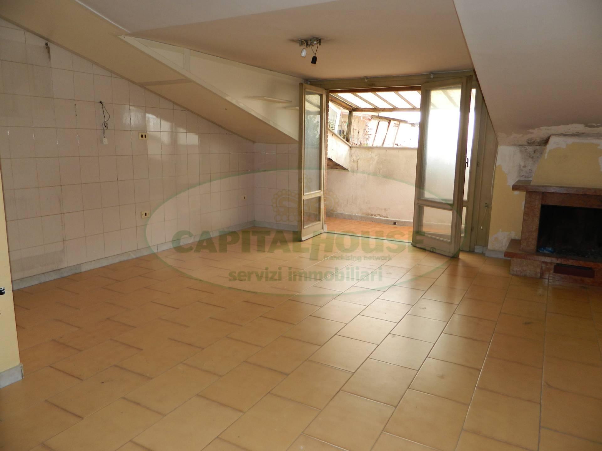 Attico / Mansarda in affitto a Afragola, 2 locali, zona Località: ZonaSanMichele, prezzo € 330 | CambioCasa.it