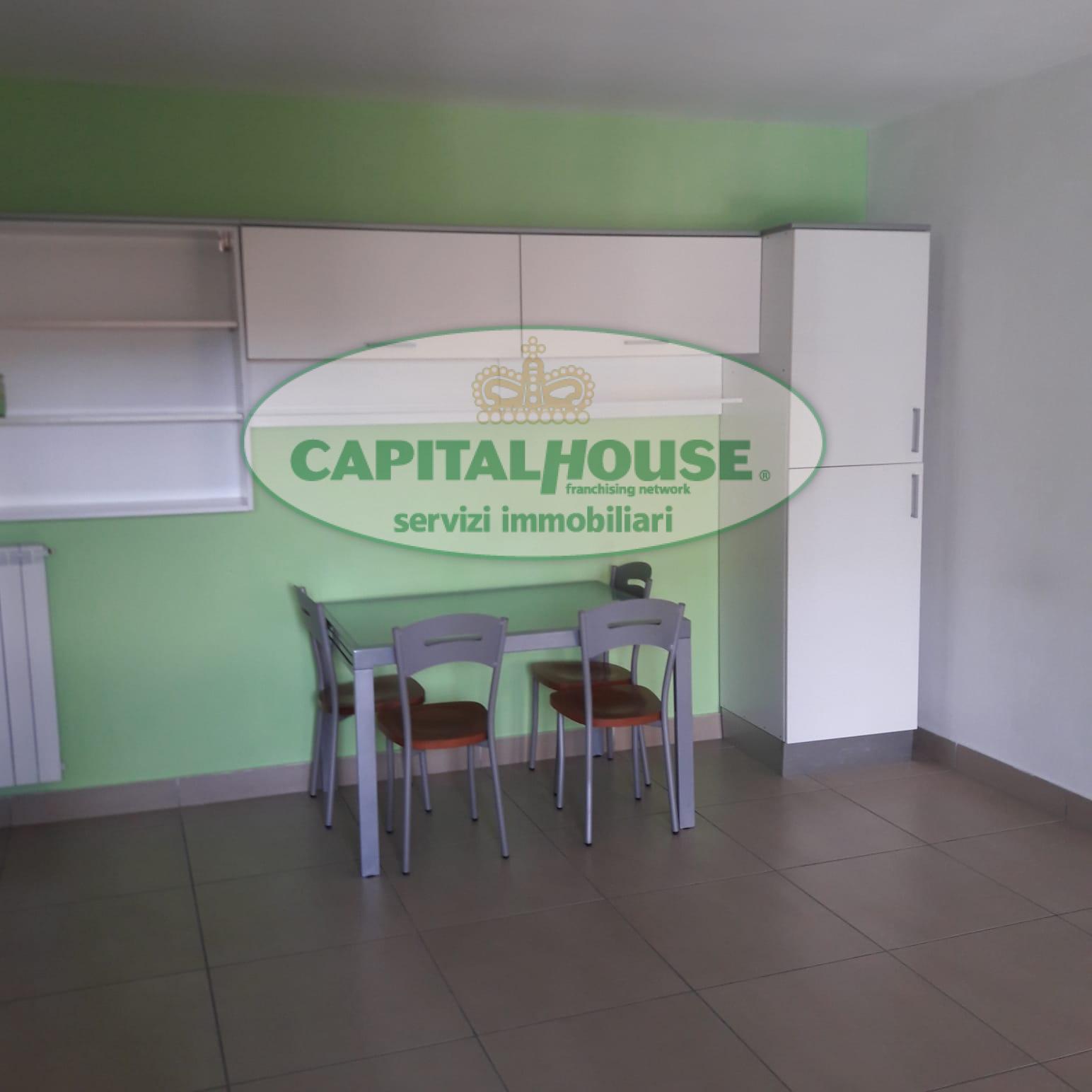 400 vv appartamento in affitto a caserta acquaviva for Affitto caserta arredato