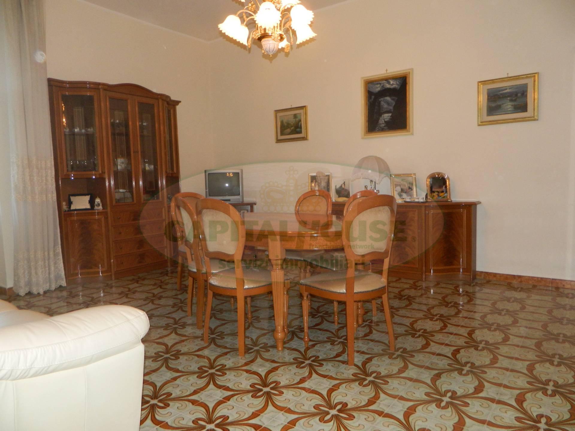 Appartamento in vendita a Afragola, 3 locali, prezzo € 125.000 | CambioCasa.it