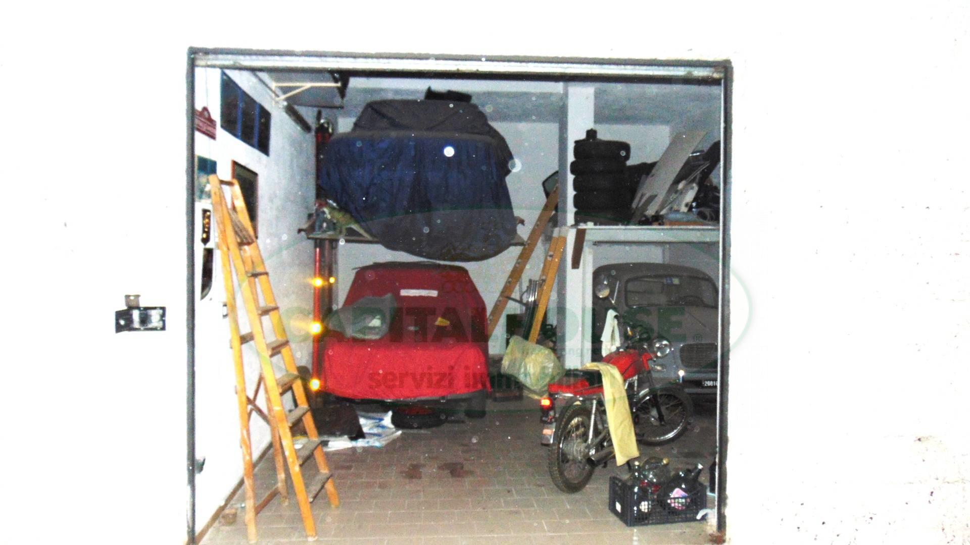 Box / Garage in vendita a Sirignano, 1 locali, prezzo € 25.000   CambioCasa.it