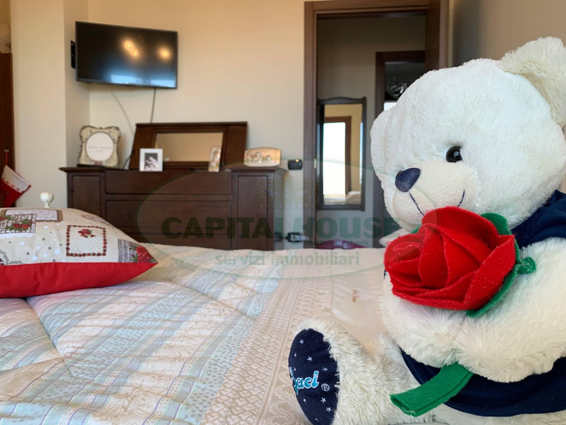 130 pic appartamento in vendita a santa maria capua for Living arredamenti santa maria capua vetere