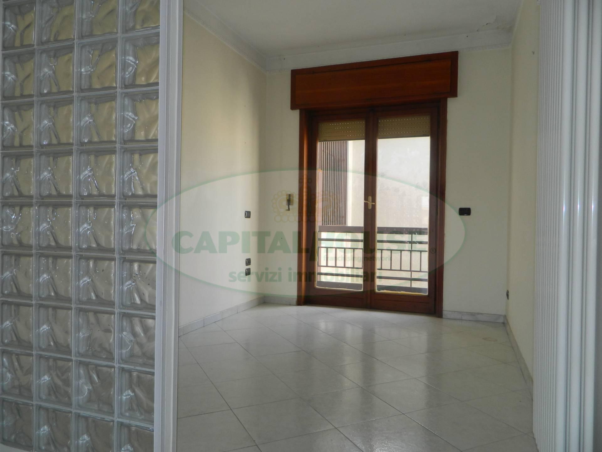 Appartamento in vendita a Afragola, 4 locali, zona Località: CorsoVittorioEmanuele, prezzo € 250.000 | CambioCasa.it