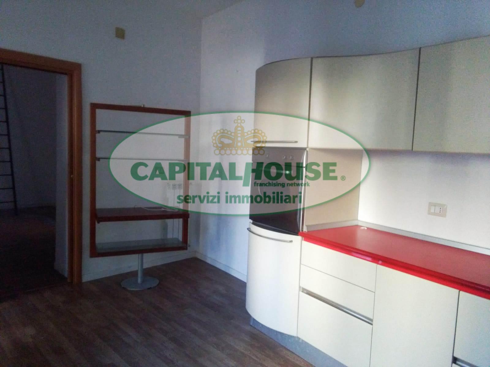 550 vdr appartamento in affitto a caserta centro for Affitto caserta arredato
