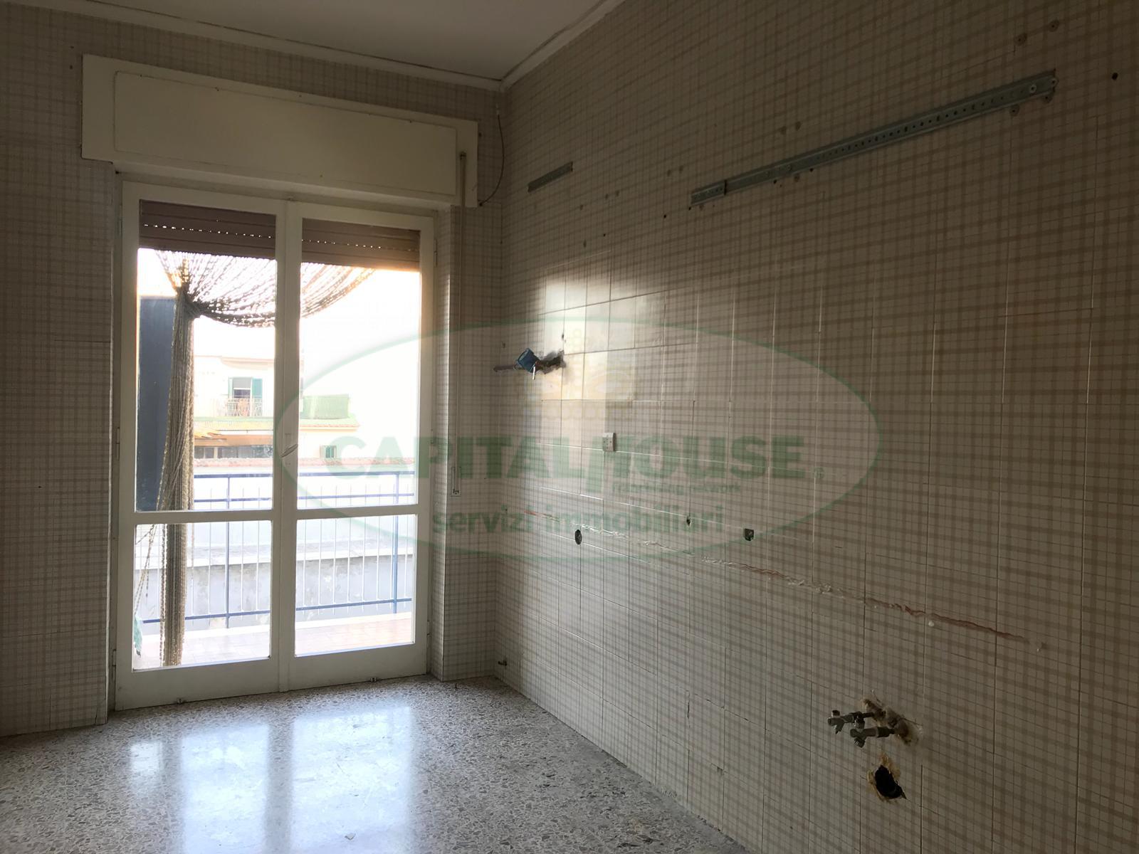 Appartamento in affitto a Afragola, 2 locali, zona Località: CorsoVittorioEmanuele, prezzo € 380 | CambioCasa.it