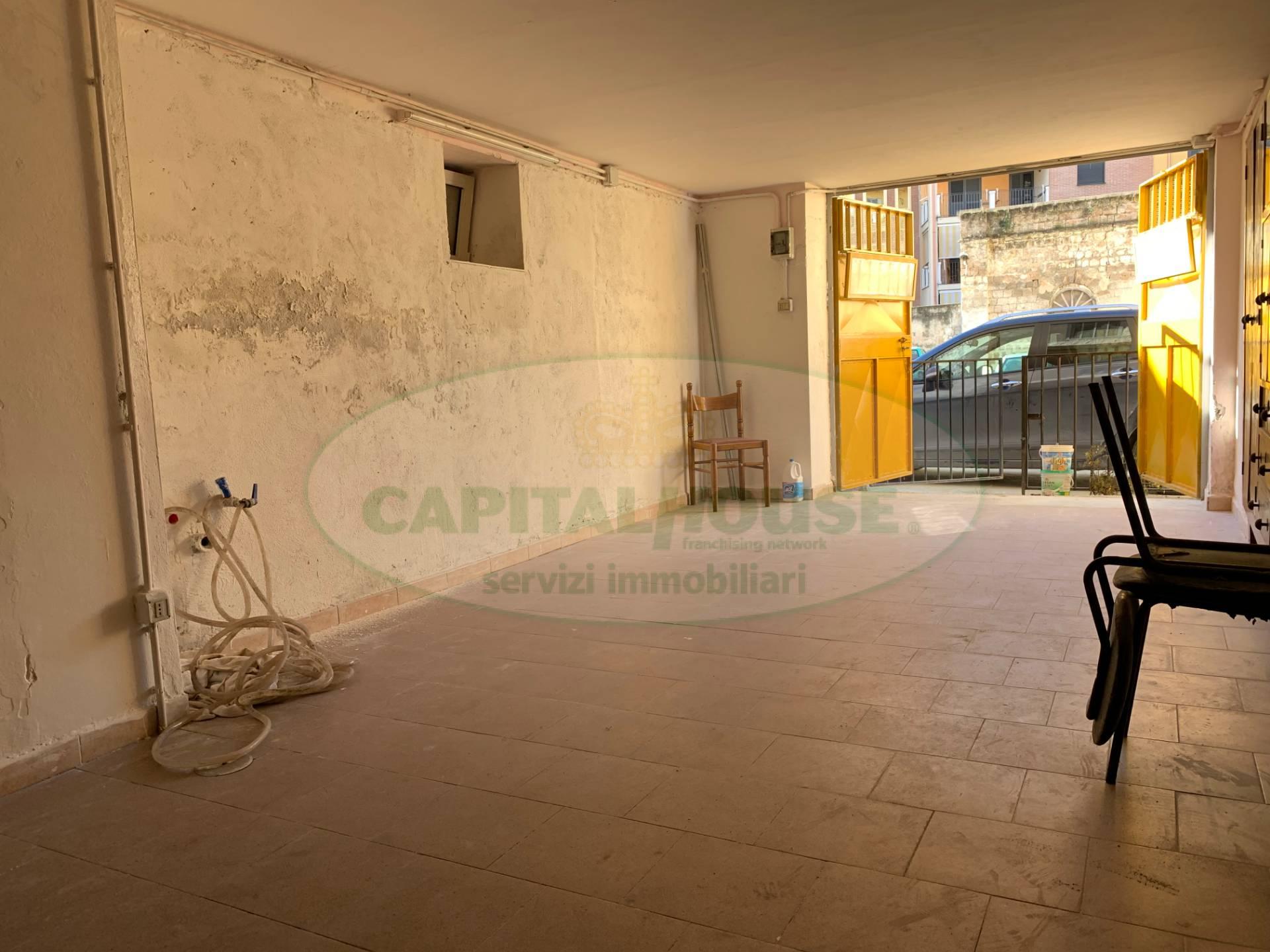 Magazzino in vendita a Santa Maria Capua Vetere, 1 locali, zona Località: ZonaStazione, prezzo € 25.000 | CambioCasa.it