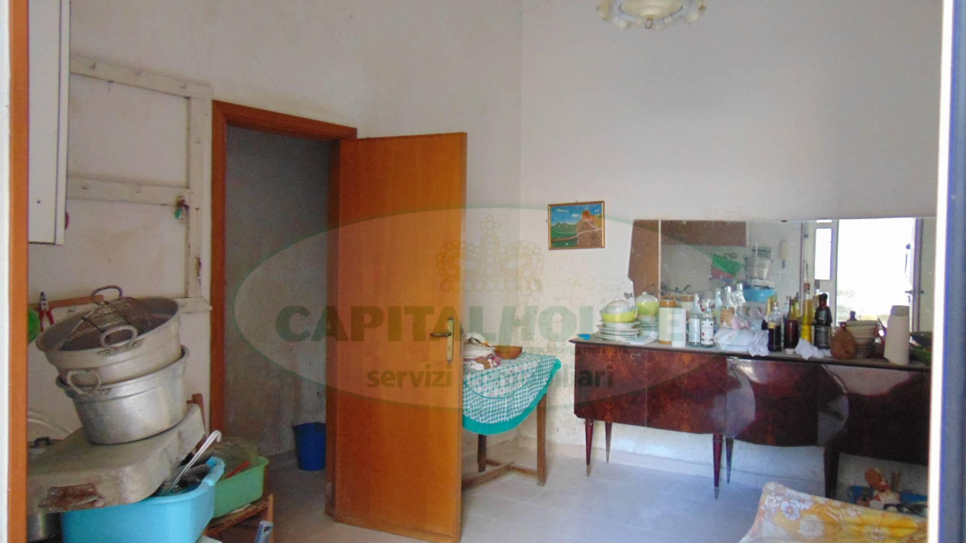Appartamento in vendita a Sirignano, 2 locali, prezzo € 15.000 | CambioCasa.it