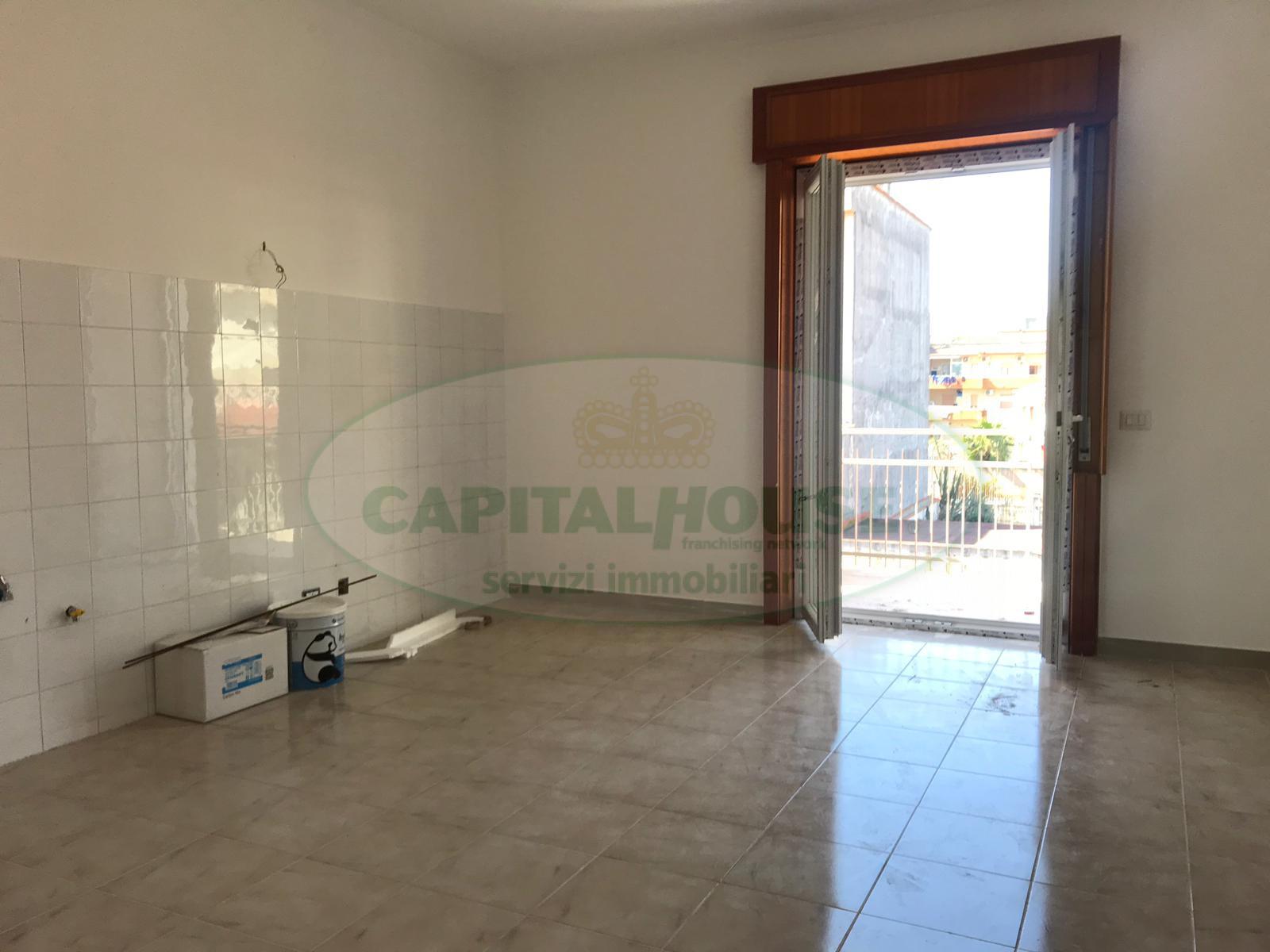Appartamento in affitto a Afragola, 3 locali, zona Località: C.C.IPini, prezzo € 500   CambioCasa.it