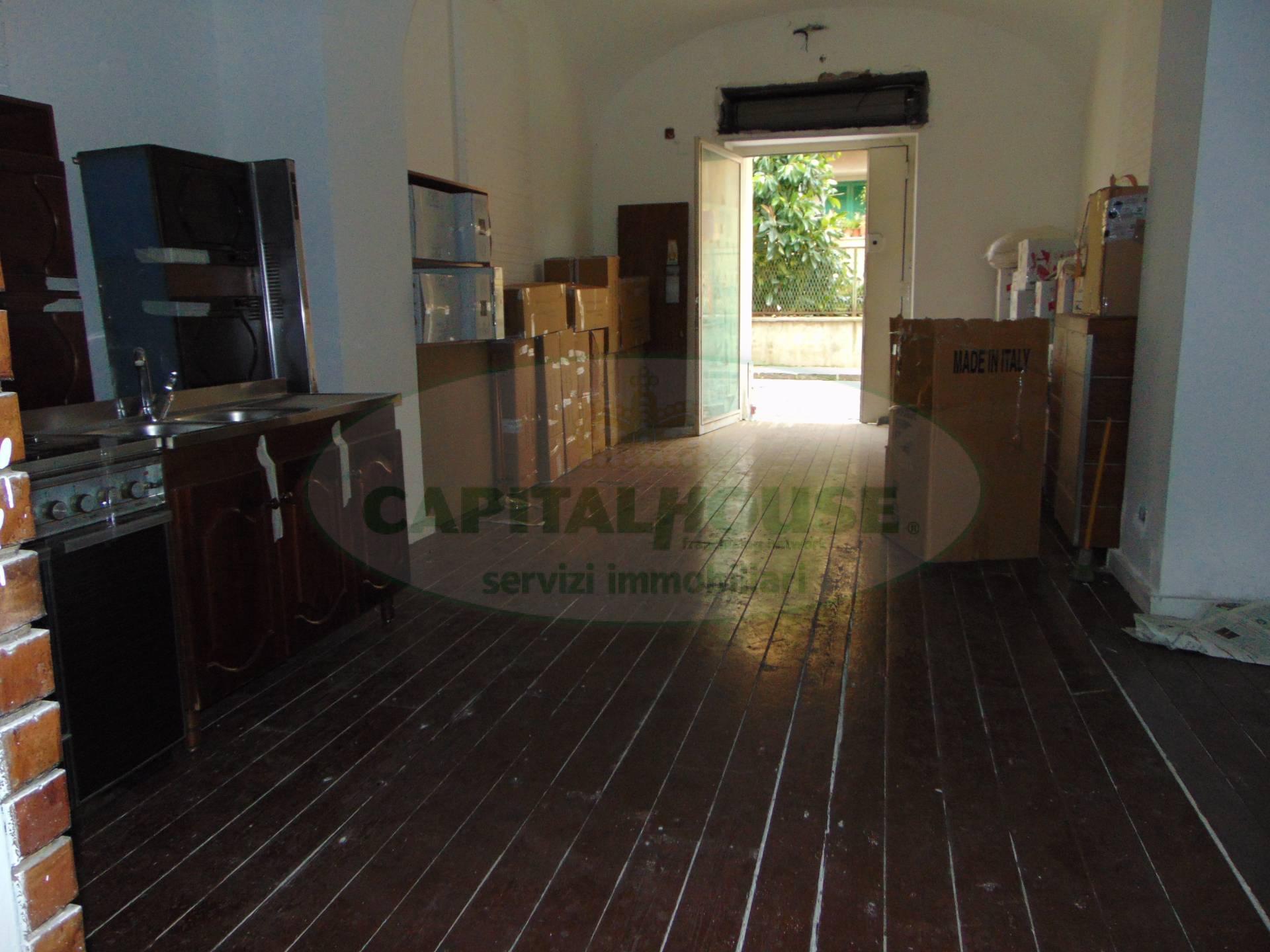 Negozio / Locale in vendita a Santa Maria Capua Vetere, 9999 locali, zona Località: ZonaCorso, prezzo € 55.000 | CambioCasa.it
