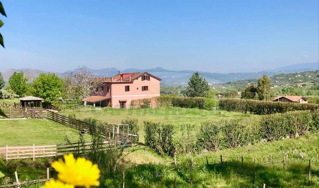 Soluzione Indipendente in vendita a Sant'Agata De' Goti, 10 locali, prezzo € 295.000 | CambioCasa.it