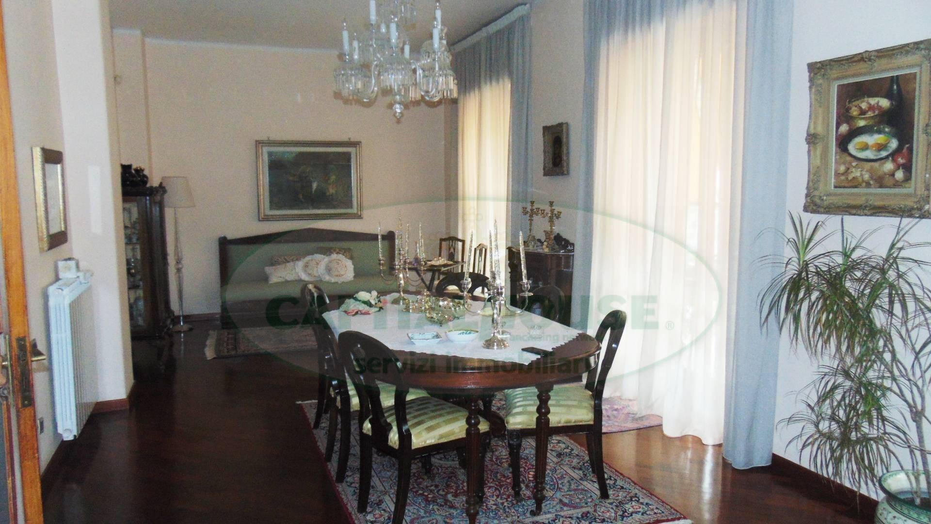 Appartamento in vendita a Sirignano, 4 locali, prezzo € 140.000 | CambioCasa.it
