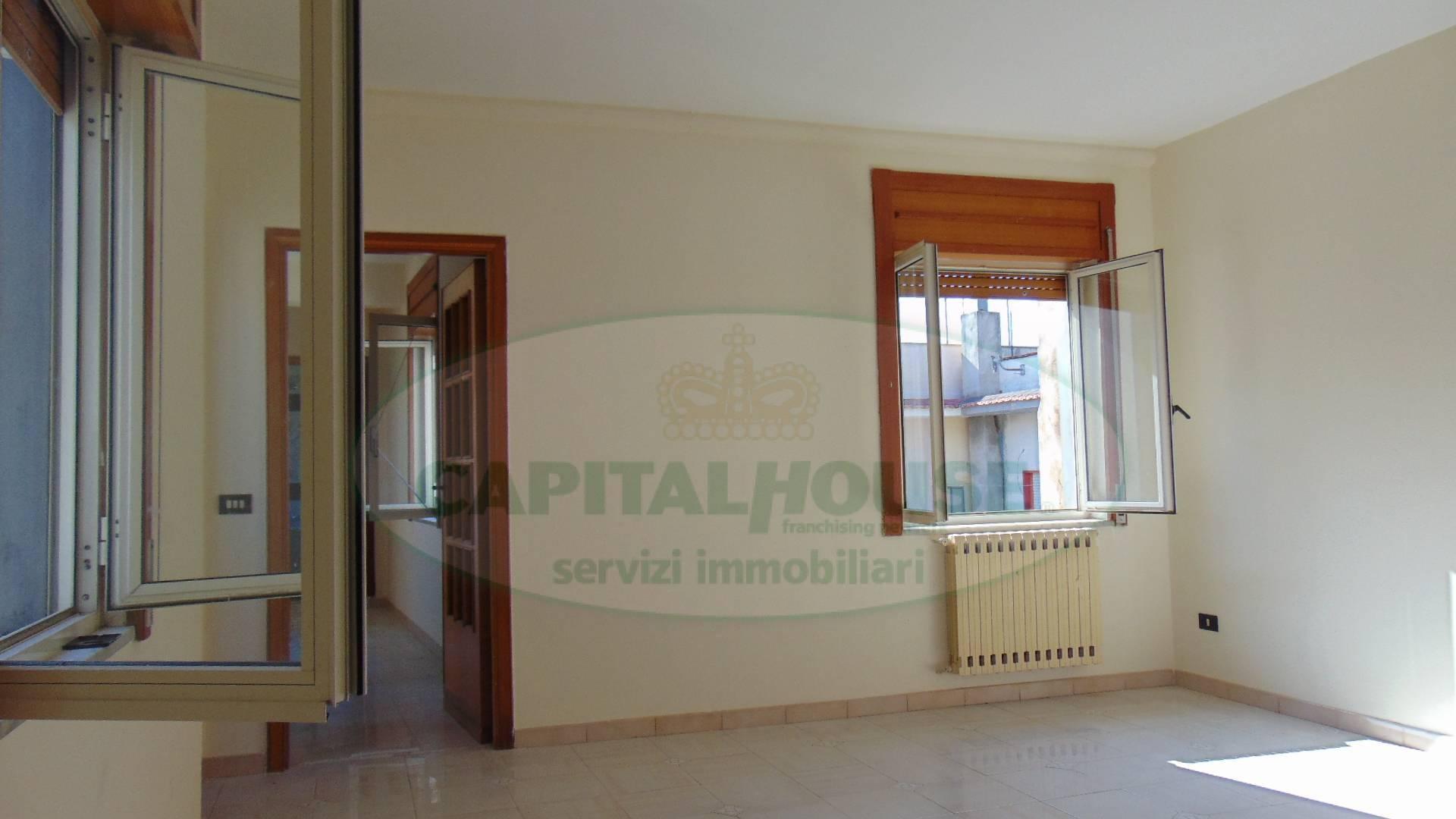 Appartamento in vendita a Sirignano, 3 locali, prezzo € 68.000   CambioCasa.it