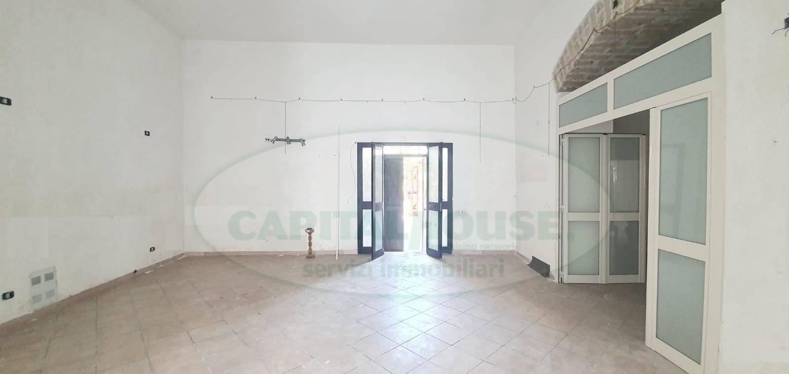 Appartamento in vendita a Caserta, 2 locali, zona Zona: Falciano, prezzo € 50.000 | CambioCasa.it