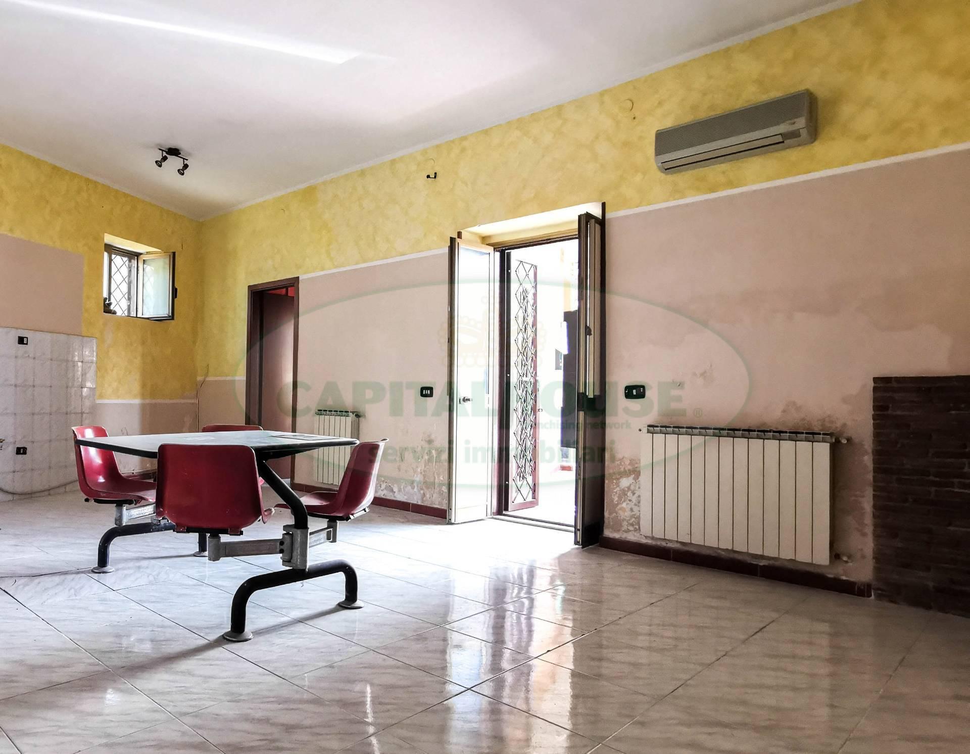 Appartamento in vendita a Capua, 3 locali, zona Località: S.AngeloinFormis, prezzo € 50.000 | CambioCasa.it