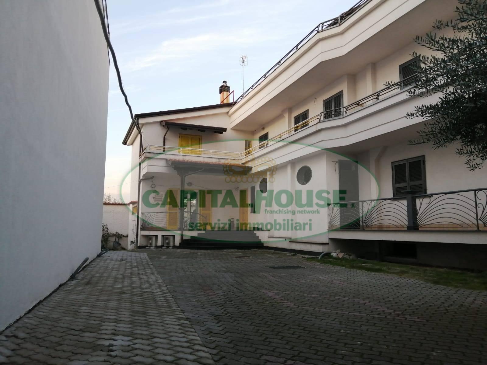 Soluzione Indipendente in vendita a San Gennaro Vesuviano, 8 locali, Trattative riservate | CambioCasa.it