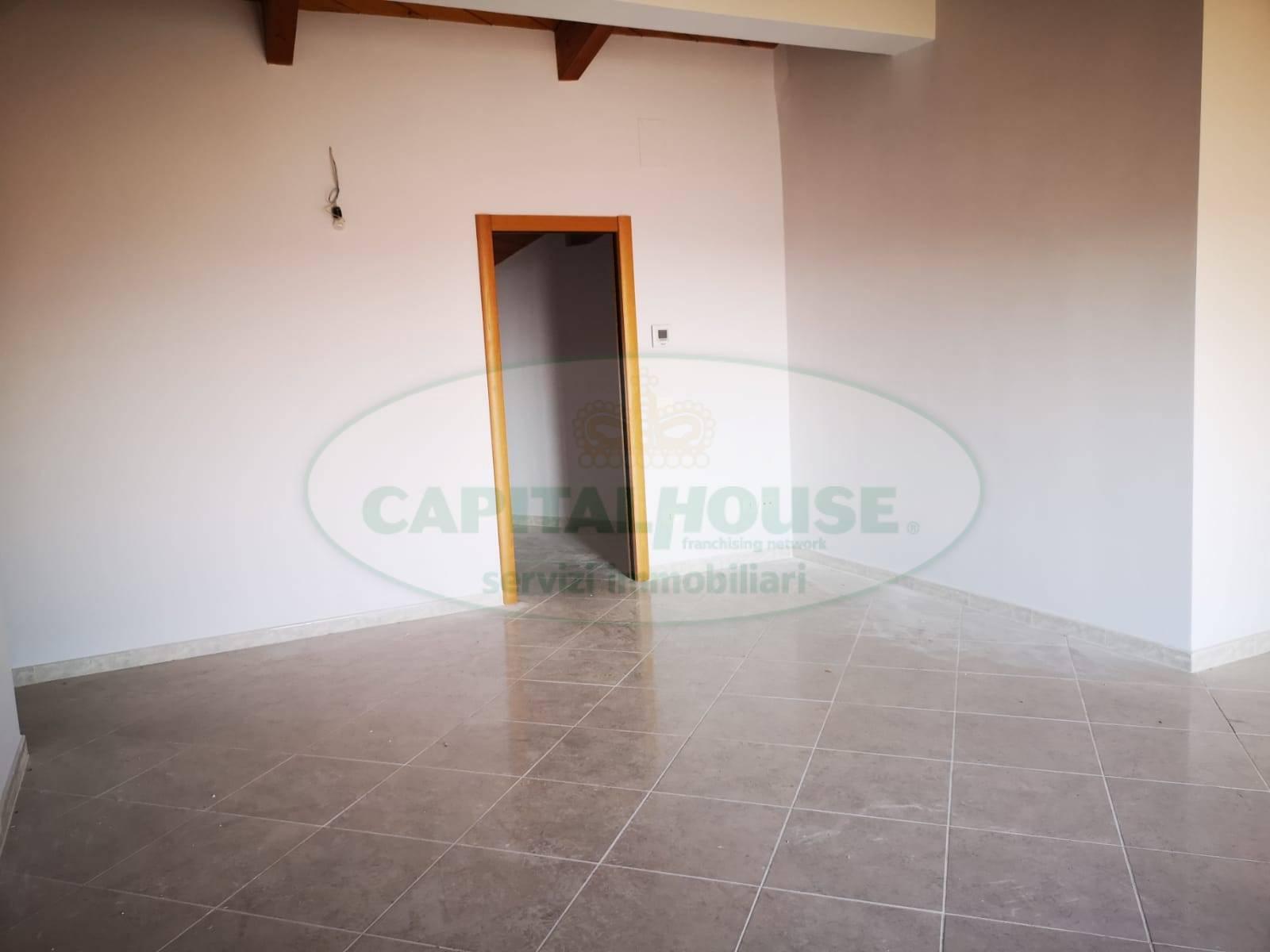 Appartamento in affitto a San Nicola la Strada, 4 locali, zona Località: ExS.Gobain, prezzo € 650 | CambioCasa.it